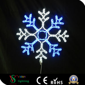 China Manufacture Christmas Decoration LED Snowflake Light pictures & photos