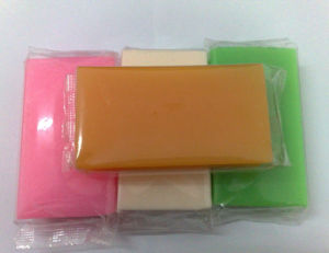 Natural Good Fragrance Toilet Soap pictures & photos