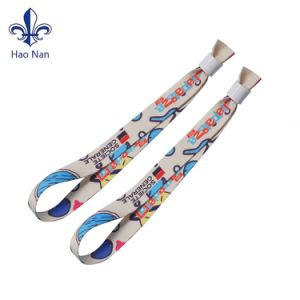 Made in China Custom Festival Fabric Woven Wristband for Promotion pictures & photos