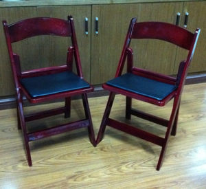 Mahogany Wimbledon Chairs for Performance pictures & photos
