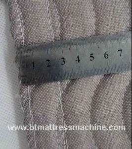Mattress Flanging Machine and Mattress Overlock Sewing Machine pictures & photos