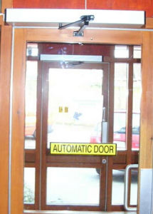 Low Price Automatic Swing Door with Aluminum Frame (DS-S180) pictures & photos