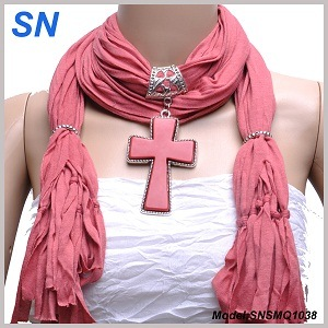 2015 Woman′s New Fashion Pendant Scarf (SNSMQ1038) pictures & photos