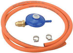LPG Euro Pressure Gas Regulator with Hose (C30G07U30) pictures & photos