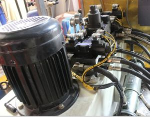 1L Blow Molding Machine with CE pictures & photos