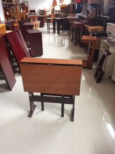 Space Saving Easy Foldable Side Table pictures & photos