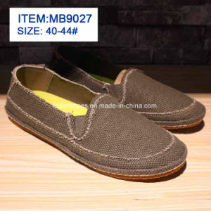 New Style Popular Men′s Slip-on Canvas Shoes Customize Wholesale (MB9027) pictures & photos