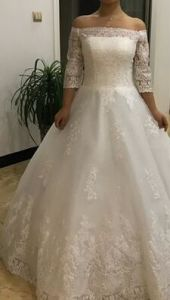 off Shoulder Full Sleeves Bridal Wedding Gown with Lace Pattern pictures & photos