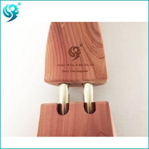 Popular Design Wholesale Red Cedar Wooden Shoe Tree pictures & photos