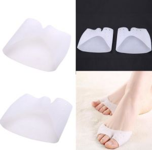 Big Toe Corrector Forefoot Pad Foot Care Biological Silicone Hallux Valgus Orthosis Toe Separator pictures & photos