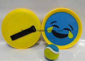 Smile Facetoss & Catch Disc Paddle Game Set with Soft Ball pictures & photos
