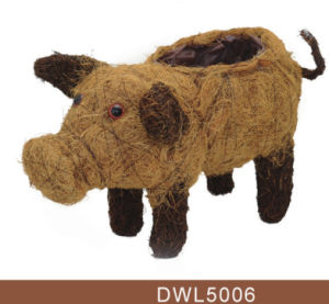 Animal Shaped Pig Rattan Garden Decorative Planter and Pot