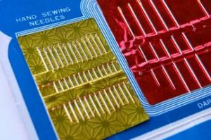 High Quality Sewing Needles with Blister Card pictures & photos