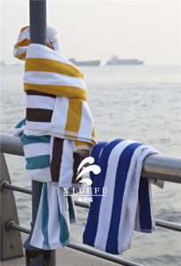 Wholesale Hotel All Cotton Green and White Stripe Swimming Towel Beach Yarn Dyed Towels pictures & photos