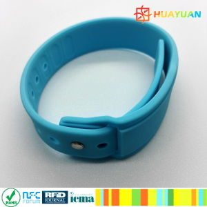 Multiple card insertable smart WS28 silicone wristband for Cashless payment pictures & photos
