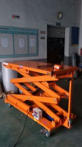 1.5m Hydraulic Scissor Lift Table pictures & photos