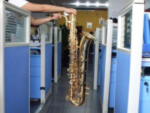 Baritone Saxophone, Tone: Eb, Gold Lacquer, Low Pitch a Key (HSL-5001)