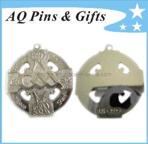 Sterling Silver Medallion in Cut out pictures & photos