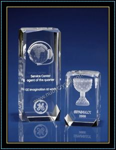 Beveled Crystal with 3D Laser Engraved Image pictures & photos