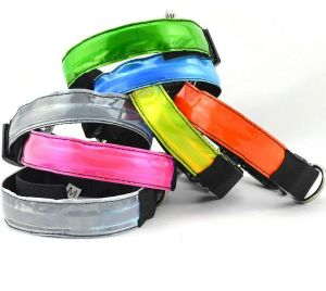 Dog Crystal Lattice Collar Pet Product pictures & photos