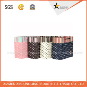 Professional Customized Fashion White Paper Carrier Bag Decorative Paper Bags pictures & photos