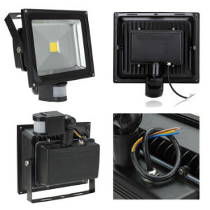 10W/20W/40W/60W/80W/100W High Quality Waterproof Outdoor COB LED Flood Light with PIR Motion Sensor pictures & photos