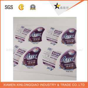 Customized Rolls White Vinyl Label Printing Adhesive Sticker Label pictures & photos