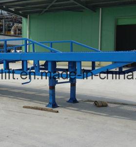 8t Mobile Forklift Loading and Unloading Yard Ramp pictures & photos