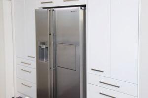 Quartz Countertop Small Lacquer Kitchen Cabinets pictures & photos