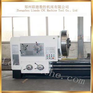 Top Quality Universal Horizontal Light Duty Lathe Machine Cw61200 pictures & photos