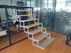 Aluminium Ladder Electric Folding Steps Folding Ladder for RV Motorhomes Caravan Footsteps pictures & photos