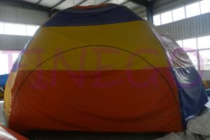 En71 Custmoized Oxford Clothing 4 Legs Inflatable Lawn Tent pictures & photos