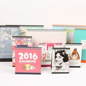 2017 Customzied Art Paper Professional Design Desk Calendar Printing pictures & photos