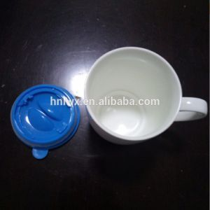 Wholesale New Design Ceramic Mug with Silicone Lid and Saucer pictures & photos
