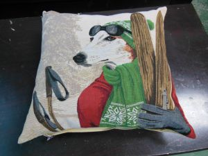 Hot Sale White Down or Feather Pillow and Cushion in China pictures & photos
