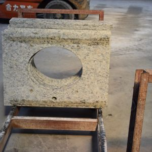 Popular Golden King Granite Countertop with Discount pictures & photos