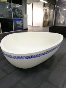 Solid Surface Soaking Function Triangle Shaped Bathtub pictures & photos