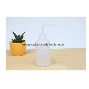 250ml Plastic Dropping Bottle Succulents Plant Pouring Kettle Extruded Watering Can pictures & photos