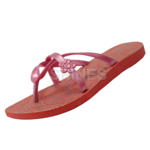 Flower PVC Strap Flip Flop Sandal for Women pictures & photos