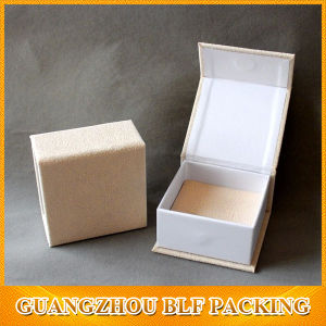White Cardboard Velvet Small Jewelry Box for Ring pictures & photos