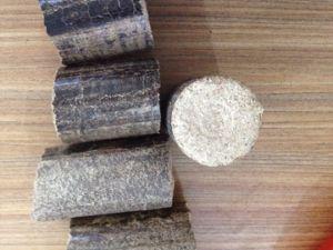 High Efficiency Wood Chips Piston Briquette Machine pictures & photos