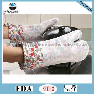 Wholesale Anti-Slid Silicone Kitchen Glove for Cooking Baking Sg20