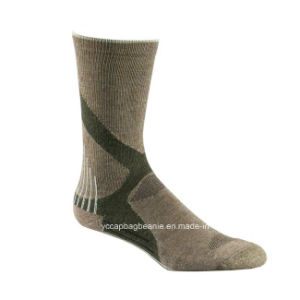 High Quality Wholesale Outdoor Sport Hiking Socks pictures & photos