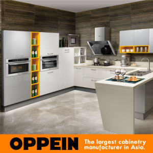 Oppein Brand White Acrylic U Shape Wooden Kitchen Cabinet (OP15-011) pictures & photos