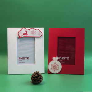 New En71 ASTM Standard Red Wooden Photo Frame for Christmas with Snowflake pictures & photos