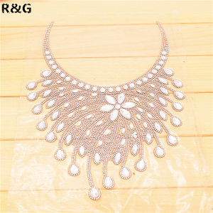 Customized Hand-Made Women Hot Fix Crystal Rhinestones Collar for Decoration pictures & photos