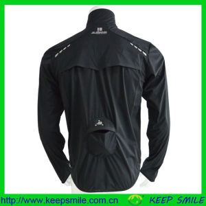 Windproof and Breathable Cycling Rain Jacket for Sports Clothing pictures & photos