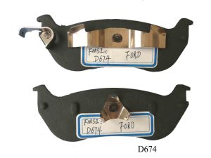 D674 Stable Semi-Metallic Brake Pad for Lincoln&Ford