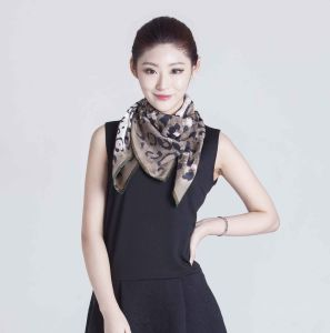 2017 Shanghai Directly Sale Silk Scarf for Summer and Winter pictures & photos