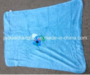 Coral Fleece Baby Blanket with Rabbit Applique pictures & photos